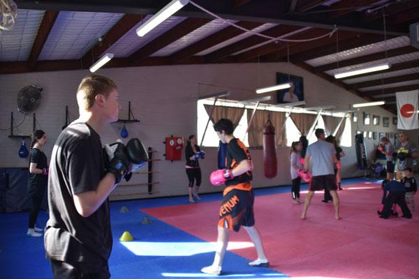 sat-boxing2